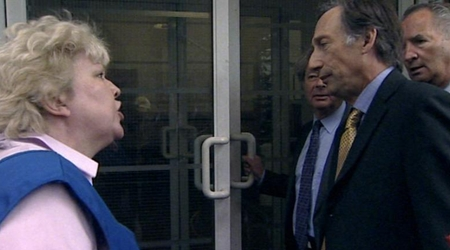 Watch The Thick of It Season 2 Episode 1 Online