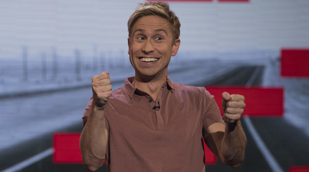 Watch The Russell Howard Hour Season 1 Episode 3 Online